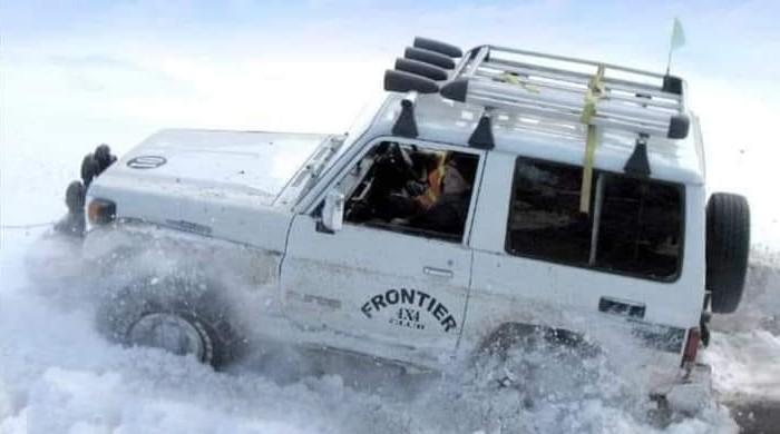 وادی کالام میں اسنو جیپ ریلی، برفیلے ٹریک پر ڈرائیورز کی مہارت سے شائقین بھی حیران