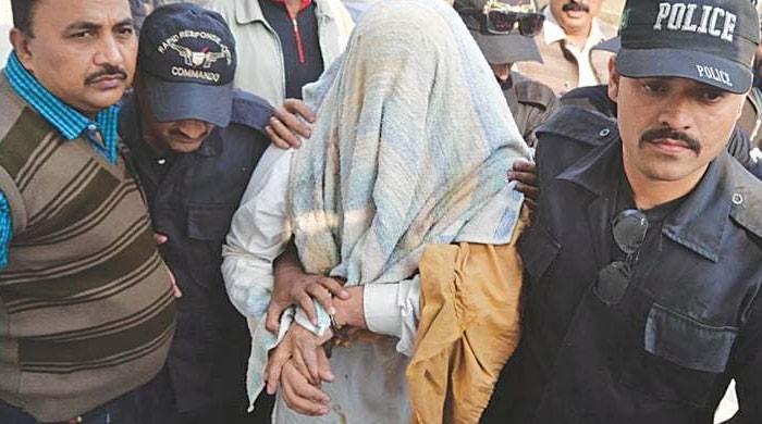 کراچی: بلڈر سے بھتہ طلب کرنے والا مطلوب ملزم گرفتار