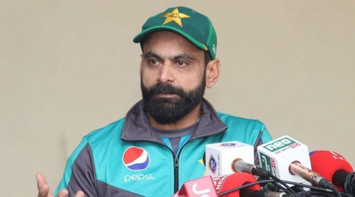 کھلاڑیوں کی خراب پرفارمنس کی ذمہ داری کوچز پر نہیں ڈالنی چاہیے، محمد حفیظ