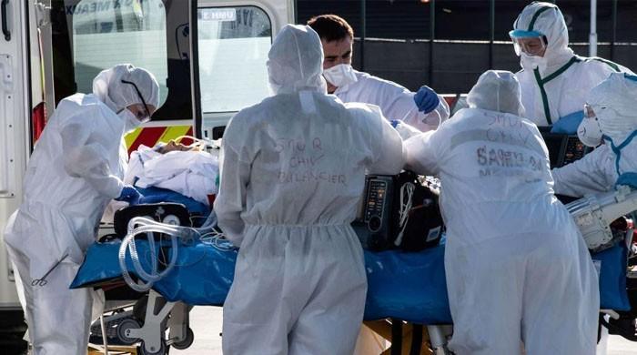 امریکا: نئے صدر کی تقریب حلف برداری کے روز بھی کورونا سے 4 ہزار سے زائد اموات