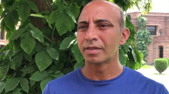 بولنگ کوچ نیشنل ہائی پرفارمنس سینٹر محمد زاہد انگلینڈ میں پھنس گئے