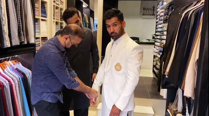 معروف باکسر محمد وسیم ڈاکٹر تابندہ کے ساتھ شادی کے بندھن میں بندھ گئے