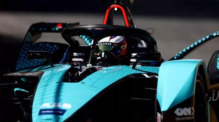 ریاض: فارمولا ای نائٹ ریس برطانیہ کے سیم برڈ نے اپنے نام کرلی