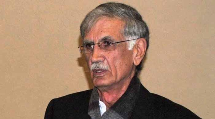 پی کے 63 میں ووٹ چوری کے ثبوت الیکشن کمیشن میں جمع کروا دیے، پرویز خٹک