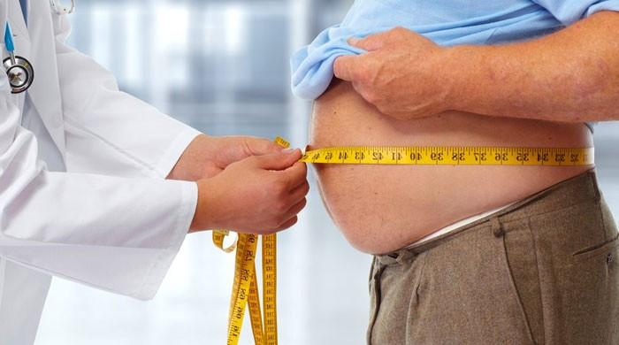 موٹاپے کا شکار افراد کیلئے کورونا ویکسین سے متعلق بری خبر