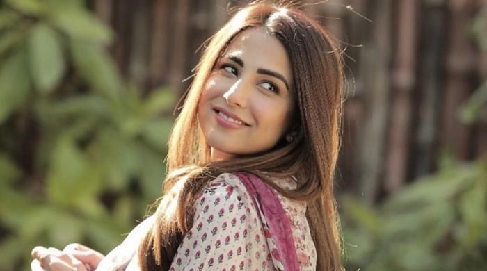 اداکارہ اشنا شاہ لاہور قلندرز کے ترانے سے متاثر