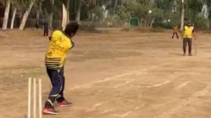 سرگودھا: کرکٹ میچ کے دوران جھگڑا، 20 سے زائد لڑکوں کا نوجوان پر بہیمانہ تشدد