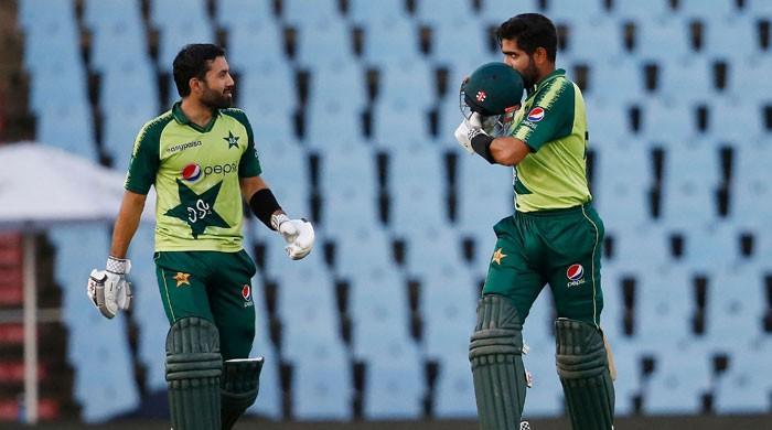 بابر اور رضوان کی شاندار بیٹنگ، پاکستان نےتیسرے ٹی 20 میں پروٹیزکو شکست دیدی