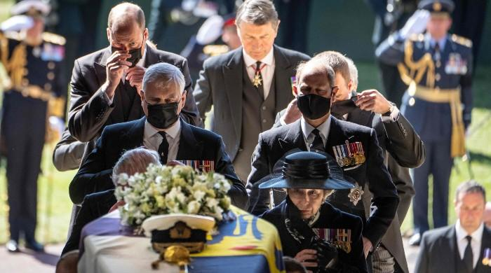 ملکہ برطانیہ کے شوہر  شہزادہ فلپ کی آخری رسومات ادا کردی گئیں
