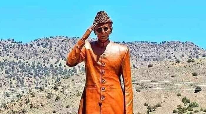 زیارت کی قائد اعظم ریذیڈینسی پر بانی پاکستان کا قدآور مجسمہ تیار