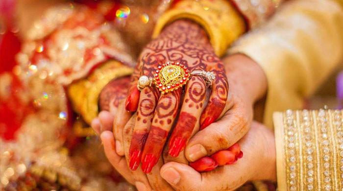 شوہر نے بیوی کی شادی اس کے محبوب سے ہی کروا دی