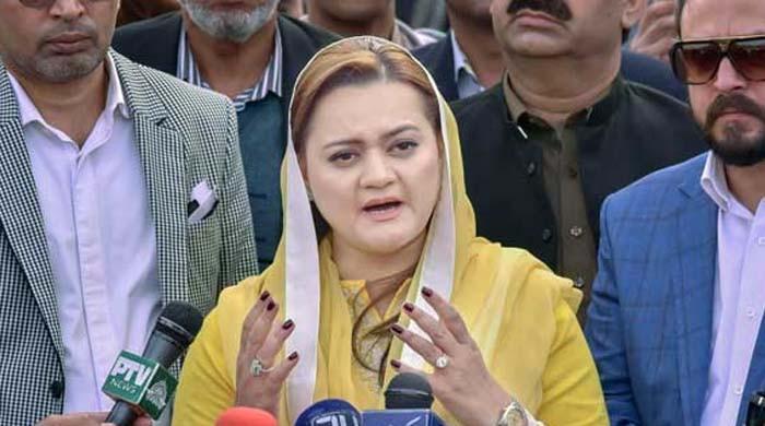 'شہباز شریف کو روک کر شہزاد اکبر نے عمران خان کے حکم پر عمل کیا'