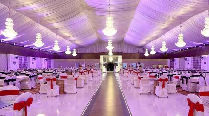 کراچی: شادی کی تقریب پر پولیس کا چھاپہ، دولہا دُلہن فرار