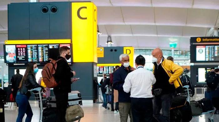 برطانیہ نے ترکی سمیت مزید 3 ممالک پر سفری پابندیاں عائد کر دیں