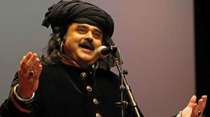 معروف فوک گلوکار عارف لوہار کی اہلیہ انتقال کر گئیں