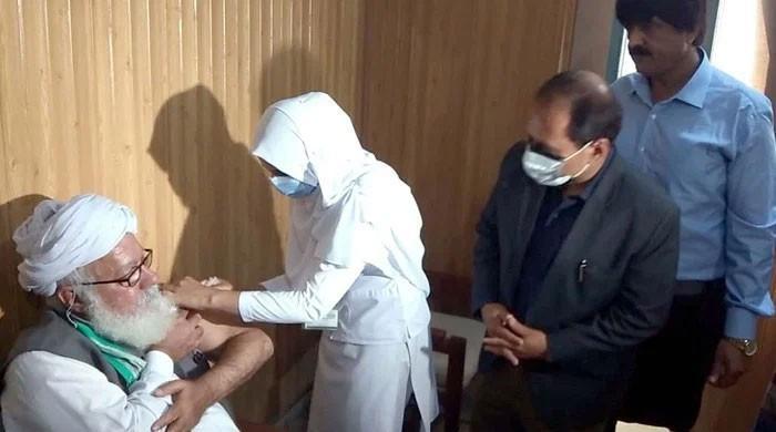 پنجاب حکومت نے عید کے بعد یومیہ 2 لاکھ 16 ہزار ویکسینیشن کا ہدف مقرر کردیا