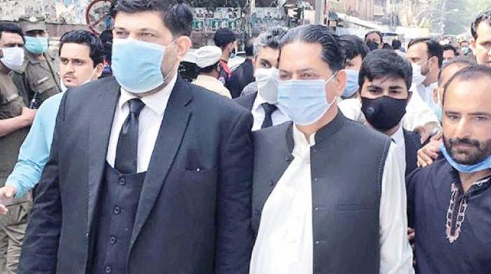 رکن قومی اسمبلی جاوید لطیف کے جسمانی ریمانڈ میں 2 روز کی توسیع