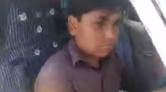 سکھر میں 9 سالہ بچے کی گاڑی چلانے کی ویڈیو وائرل