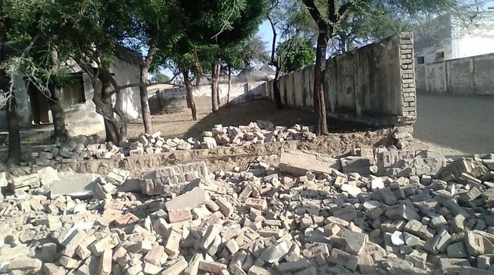 لاہور: اسکول کی دیوار گرنے سے ایک طالبہ جاں بحق، 3 زخمی