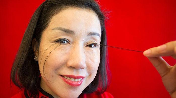 لمبی پلکوں کا ریکارڈ ایک بار پھر چین کی خاتون کے نام ہوگیا