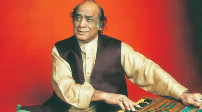 شہنشاہ غزل مہدی حسن کو مداحوں سے بچھڑے 9 سال بیت گئے