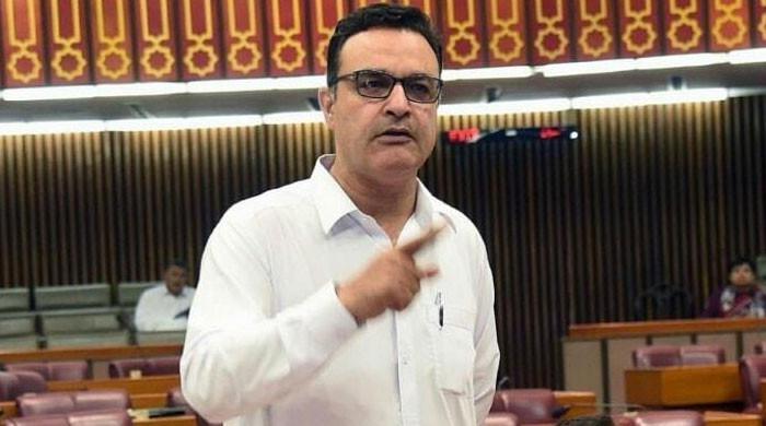 پارلیمنٹ مچھلی منڈی بن گئی، کسی کو بھی عوام کی کوئی پروا نہیں، نور عالم