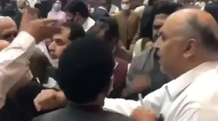 غیر پارلیمانی الفاظ استعمال کرنیوالوں کا قومی اسمبلی میں داخلہ بند