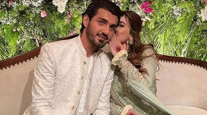 منال خان نے منگنی کی' خوبصورت یادیں' شیئر کردیں