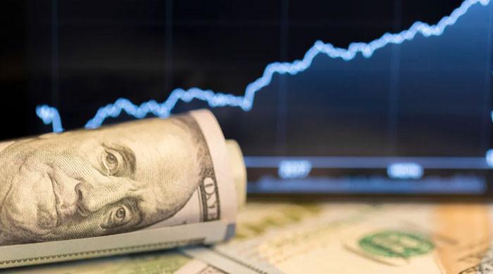 ڈالر کی قدر میں اضافے کا رجحان کاروباری ہفتے کے تیسرے روز بھی برقرار