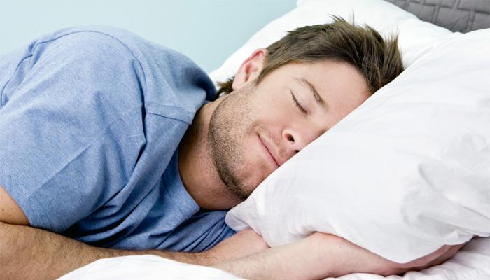 پرسکون نیند کیلئے آلو بخارے کھانا بہترین ہے_____فائل فوٹو