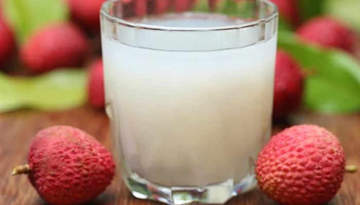 لیچی کا ٹھنڈا مشروب بھی صحت کیلئے مفید ہے_____فائل فوٹو