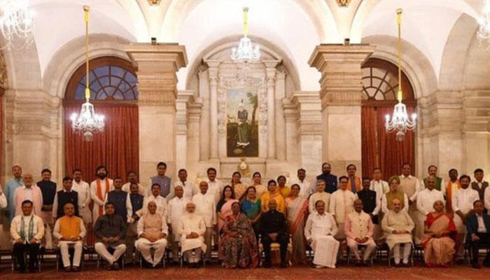 بھارتی کابینہ میں تبدیلیاں: 36 نئے وزرا کابینہ میں شامل کرلیے گئے— فوٹو: نریندر مودی ٹوئٹر