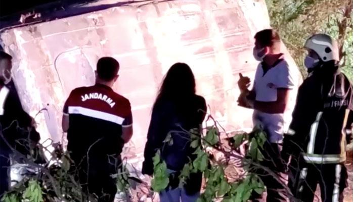 ترکی میں تارکین وطن کی بس کھائی میں گر گئ ،12 افراد ہلاک —فوٹو:ریوٹرز