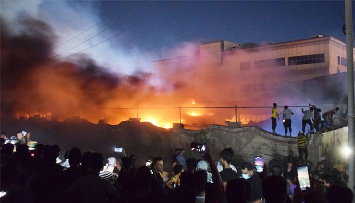 ایراق کے اسپتال میں آگ لگنے سے 92 افراد جاں بحق، متعدد زخمی ہوئے ہیں۔ فوٹو: رائٹرز