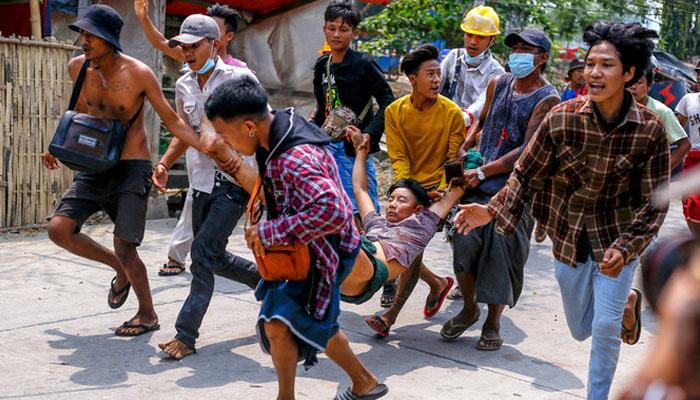 اقوام متحدہ کی چائلڈ رائٹس کمیٹی کےمطابق میانمارمیں فوجی بغاوت سے اب تک 75 بچے ہلاک اور ایک ہزار بچے گرفتار کرلئےگئے ہیں —فوٹو:فائل