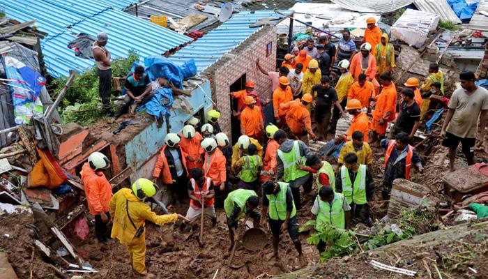 بھارت کے شہر ممبئی میں مون سون بارشوں کی وجہ سے22 افراد ہلاک ہوگئے۔ فوٹو: رائٹرز