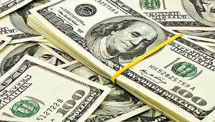انٹربینک میں ڈالر84 پیسے مہنگا ہوگیا— فوٹو: فائل