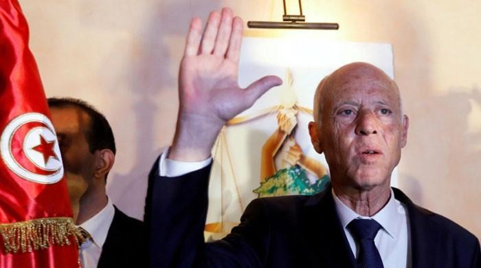 تیونس میں صدر نے وزیراعظم کو معزول کرکے مارشل لا نافذ کردیا