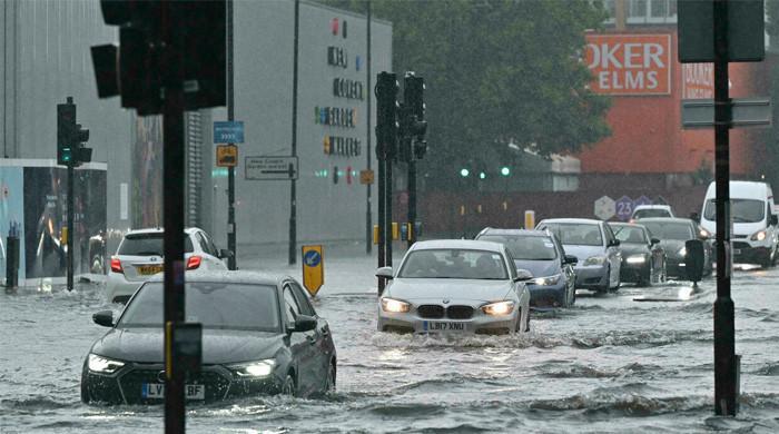لندن میں طوفانی بارشوں کے بعد سیلابی صورتحال، اسپتال بھی متاثر