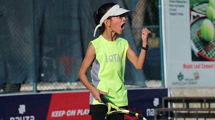 10 سالہ ہانیہ منہاس کا بڑا کارنامہ، ایشین ٹینس چیمپئن شپ جیت لی