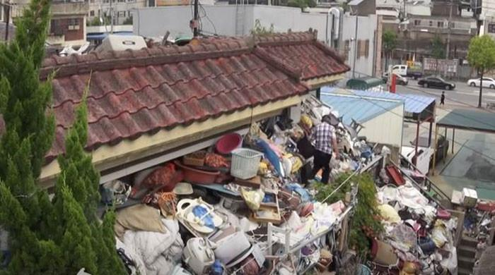 جنوبی کوریا کے معمر جوڑے نے گھر کو کوڑے سے کیوں بھردیا؟