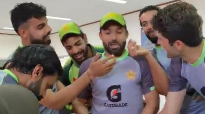 محمد رضوان کیجانب سے ریکارڈ بنانے پر ٹیم کا جشن