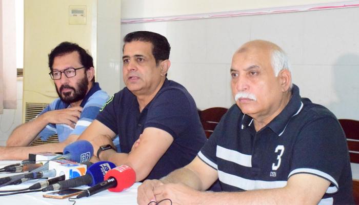 پاکستان ہاکی فیڈریشن کے سیکرٹری آصف باجوہ کا کہنا تھا کہ فٹنس پر سمجھوتہ نہیں کیا جائے گا —فوٹو:پاکستان ہاکی فیڈریشن