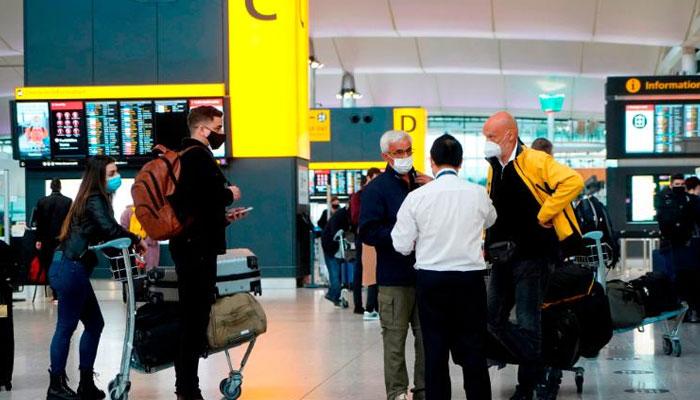 نئی ٹریول پالیسی کے تحت غیرملکی مسافروں کو ترکی پہنچنےکے بعد 7 سے 10 روز قرنطینہ میں رہنا ہوگا، حکام— فوٹو:فائل