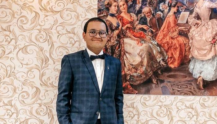 راج نے انگریزی اور ماس میڈیا اسٹڈیز میں 98 ، ہوم سائنس اور مارکیٹنگ میں 97 اور معاشیات میں 96 نمبر حاصل کیے اور اسکول میں تیسری پوزیشن حاصل کی—فوٹو:فائل