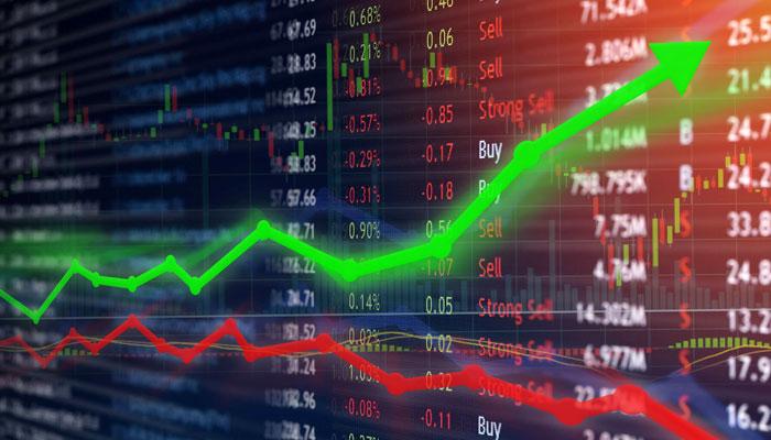 کاروباری دن میں ہنڈریڈ انڈیکس 546 پوائنٹس کے بینڈ میں رہا، ہنڈریڈ انڈیکس کی آج بلند ترین سطح 48 ہزار 146 رہی— فوٹو: فائل
