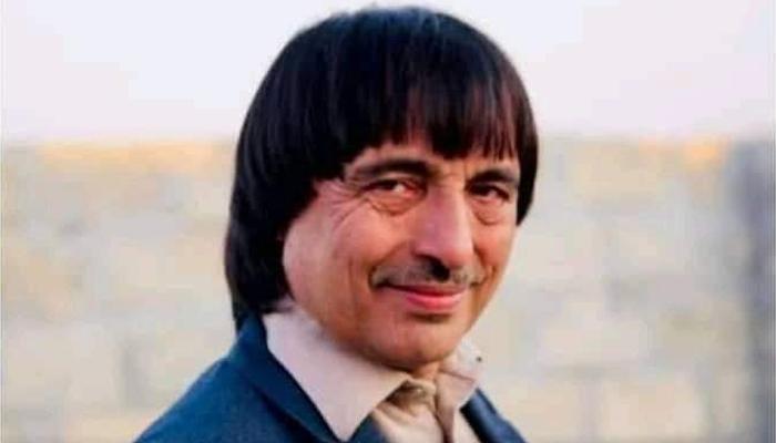 کفایت شاہ باچہ کا شمار پشتو کے مقبول گلوکاروں میں ہوتا تھا،فوٹو: فائل