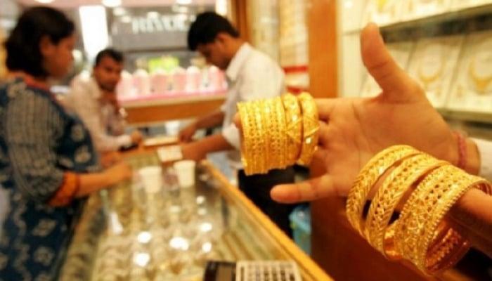 10گرام سونےکی قدر 215 روپے کم ہوکر 96 ہزار 150 روپے ہے،فوٹو: فائل