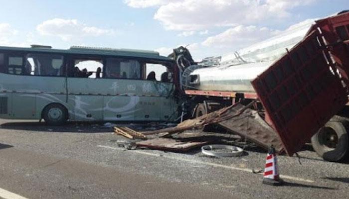 الجیریا میں بس اور ٹرک کا تصادم ،حادثے کے نتیجے میں کم از کم 13 افراد ہلاک ہوگئے ۔ —فوٹو:فائل
