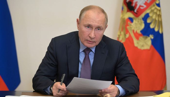 اس حوالے سے روسی صدارتی آفس کریملن کا کہنا ہےکہ صدر پیوٹن بالکل صحت مند ہیں،فوٹو: فائل